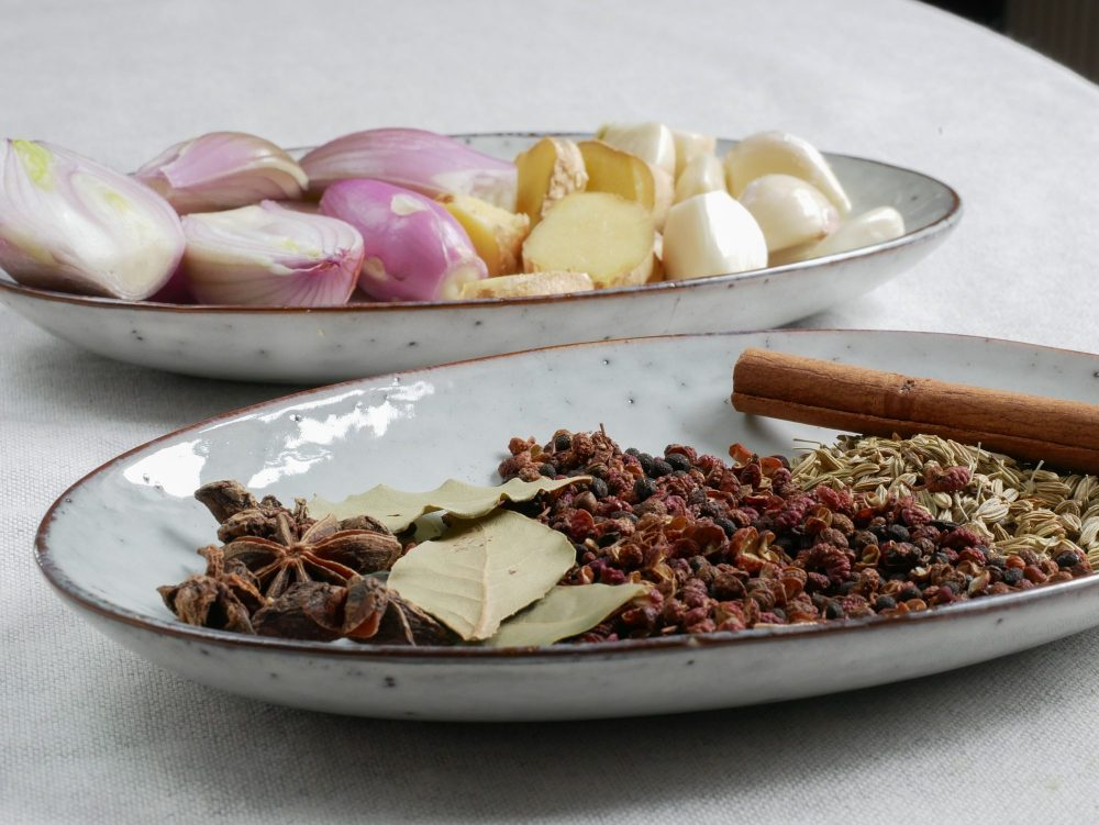 Aromatic spices for a Sichuan chili oil