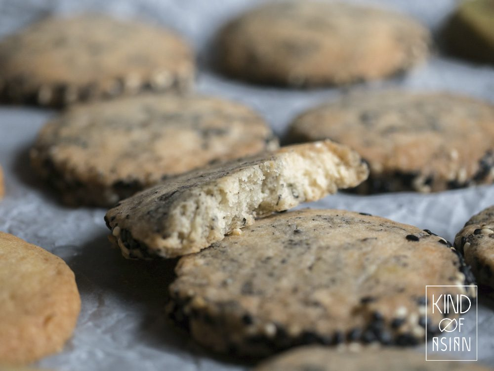Easy recipe for brittle lactose-free sesame cookies