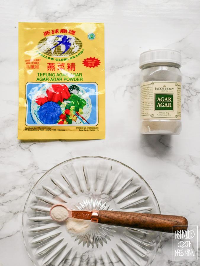 Agar agar, gewonnen uit zeewier, is een heel goed plantaardig alternatief voor gelatine. Het verwerken van agar agar is anders maar niet moeilijk.