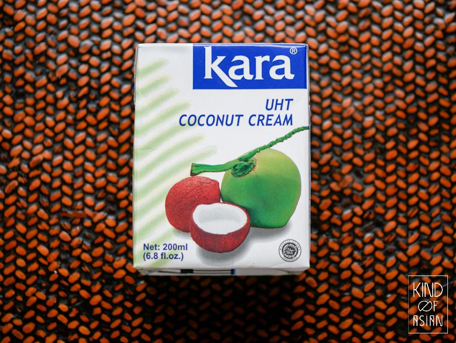 Kokosroom in kartonnen pak met bijna 100% kokosextract. Geschikt om op te kloppen.