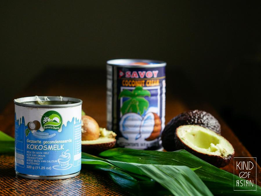 Gecondenseerde kokosmelk, kokosmelk, avocado en pandanblad.