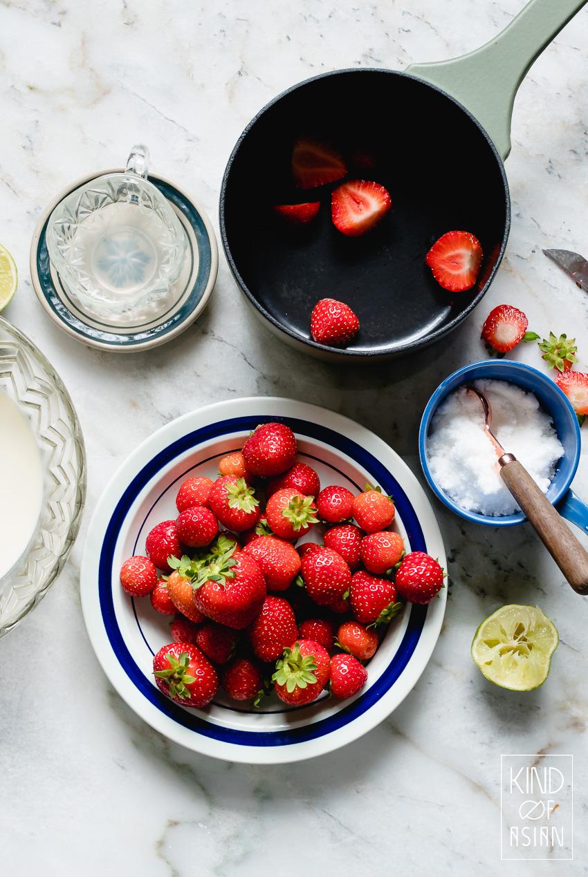 Zelf romig aardbeienijs zonder ei of zelfs helemaal vegan maken is niet moeilijk. Dit recept kan je met en zonder ijsmachine maken.
