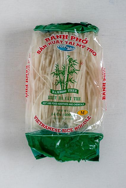 Welke soorten rijstnoedels zijn er, en welke gebruik je voor authentieke Thaise Pad Thai, Vietnamese Pho of Mihoen Singapore?