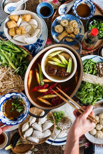 Deze keer geen recept maar een boodschappenlijstje voor de toko om zelf een authentieke en vegan Chinese fondue te maken.