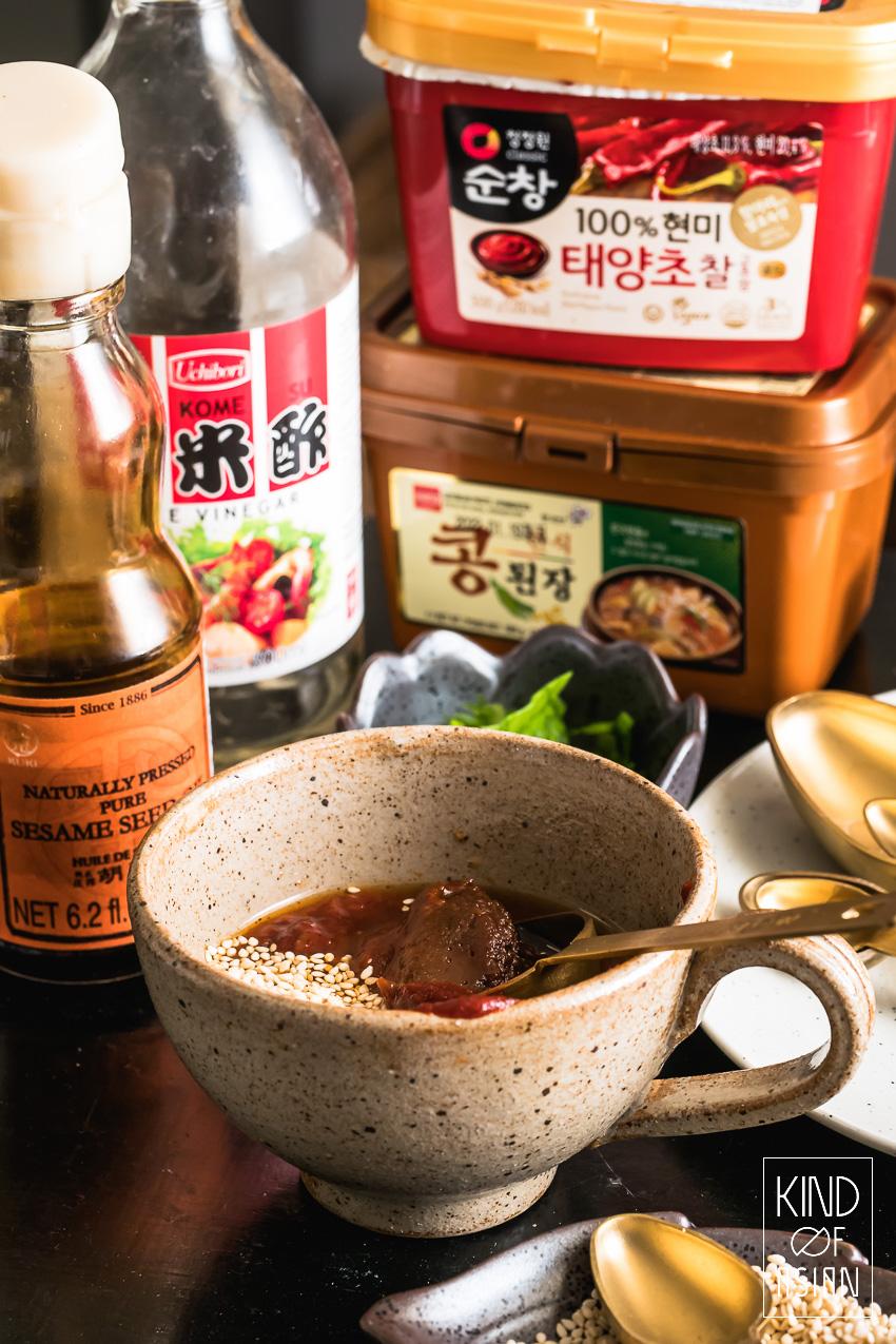 Koreaanse ingrediënten voor vegan bibimbap met bulgogi van oesterzwam