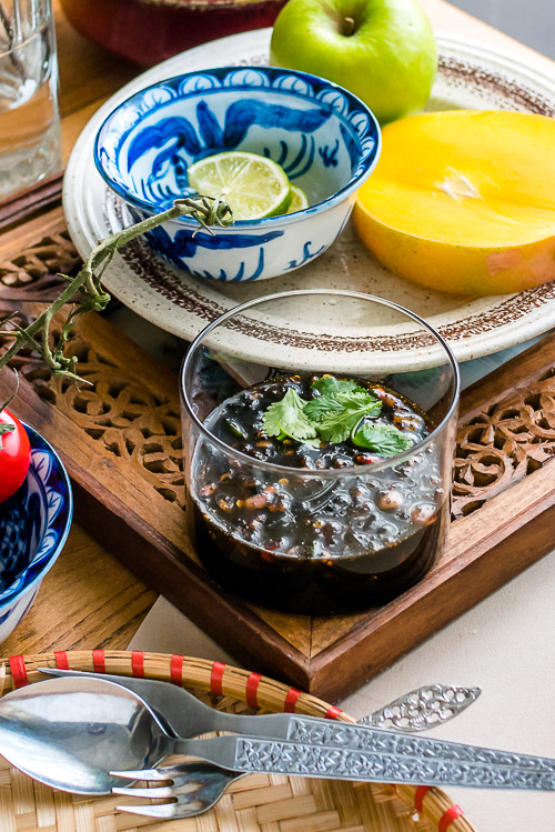 Thaise vegan 'vissaus' met palmsuiker voor fruit